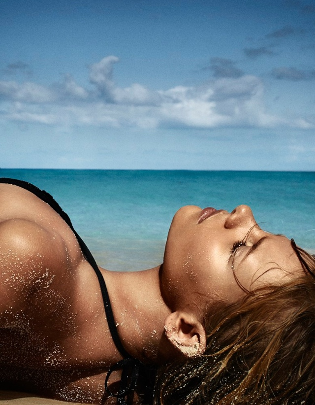 marloes-horst-swimsuit-shoot-2014-5